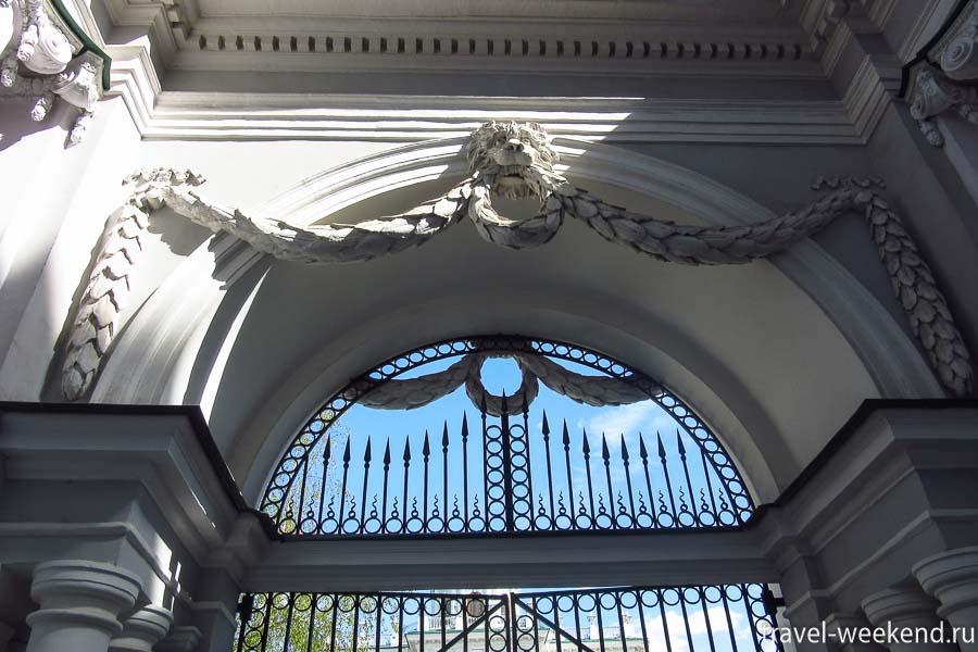 дом пашкова ворота