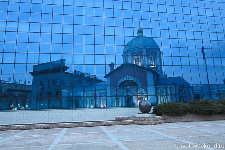 Курск, Воскресенско-Ильинский храм и памятник курской антоновке