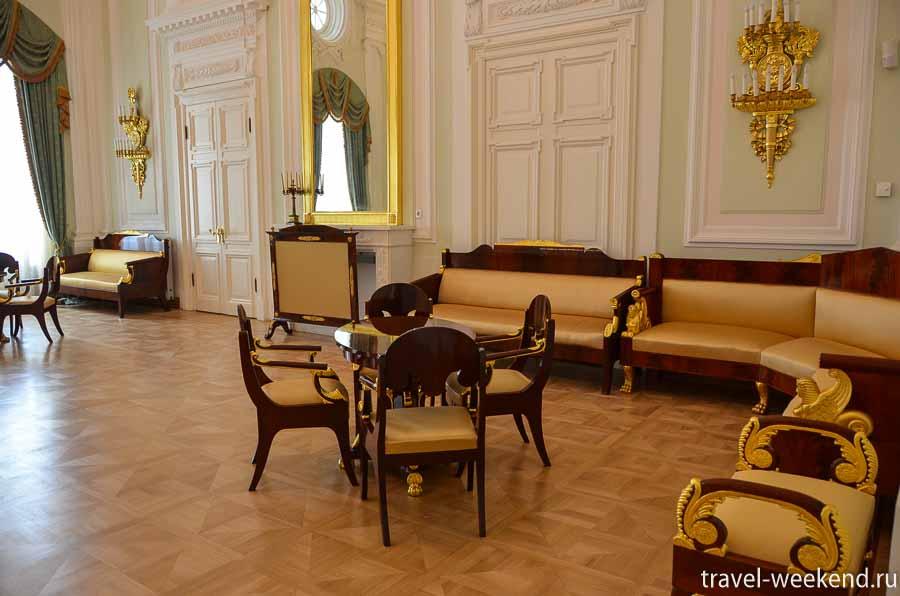 петровский путевой дворец интерьеры