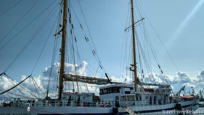 васильевский остров набережная шмидта