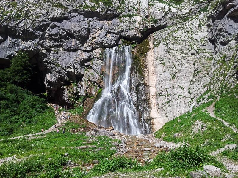 абхазия маршрут гегский водопад