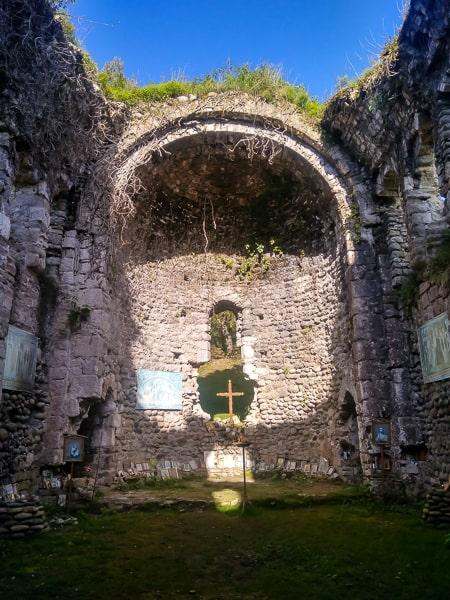 абхазия церковь амбара