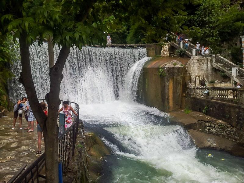 новый афон достопримечательности водопад